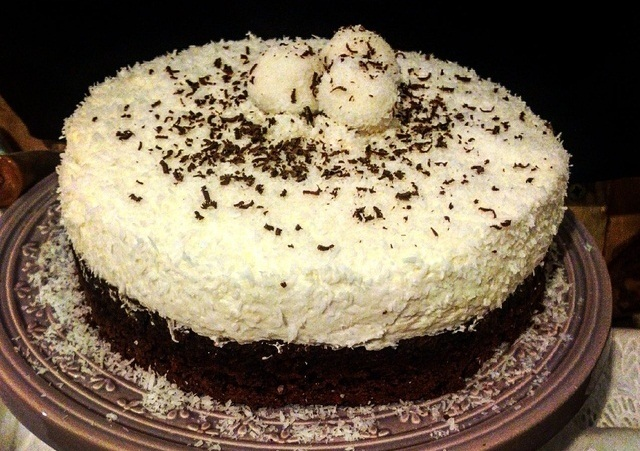 Čokoladna torta i kokos krema